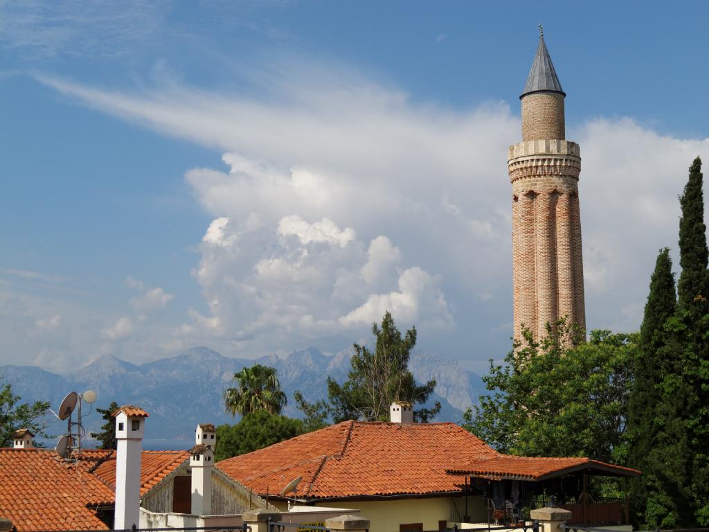 Minaret Cannelé