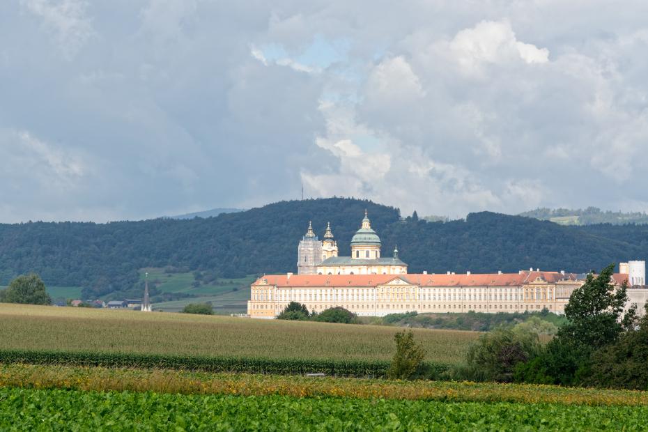 Abbaye-de-Melk-champs