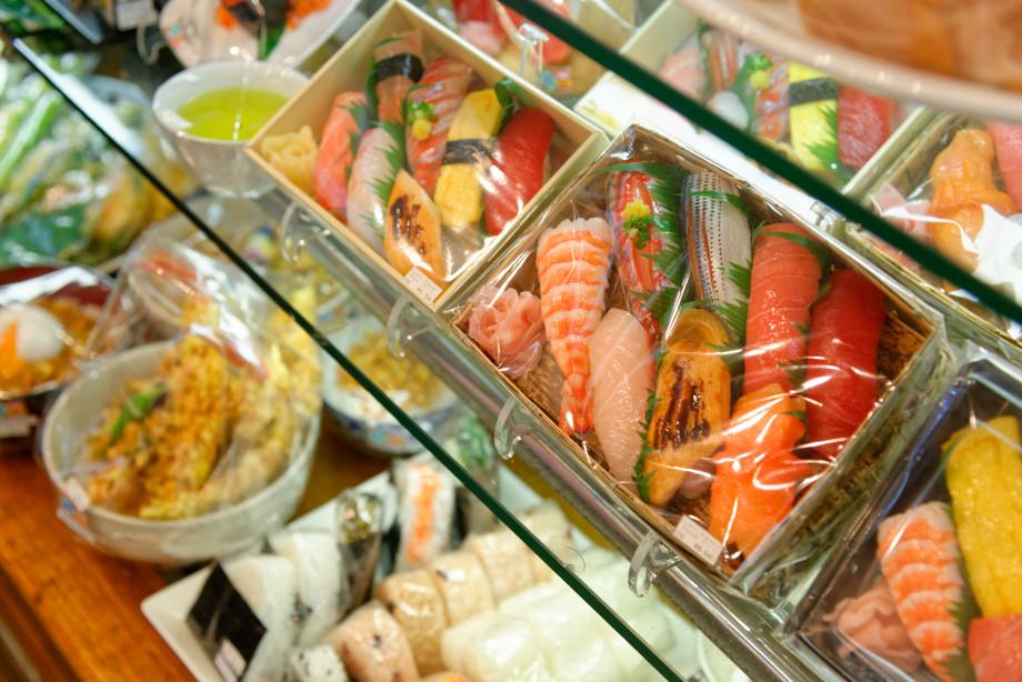 Répliques en plastique de sushis à Kappabashi