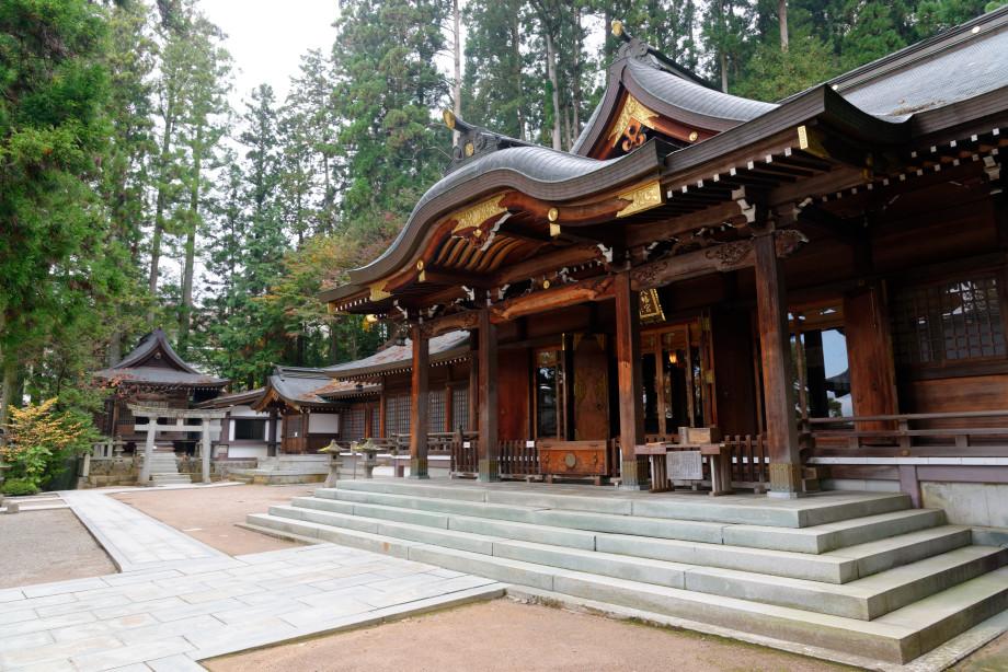 Temple sanctuaire Sakurayama-Jinja