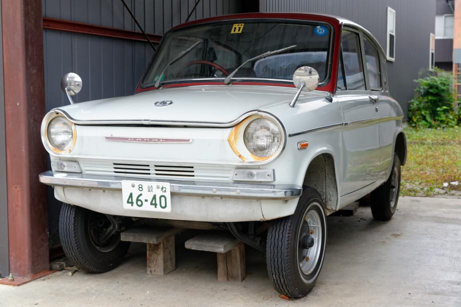 Ancienne voiture à Takayama